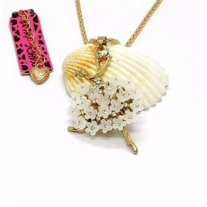 NWT Betsey Johnson Ballet Girl flowers necklace